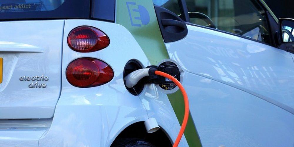 Al Macrolibrarsi Store arriva la mobilità elettrica col network I Feel Greeen